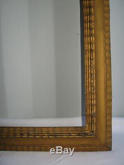 Ancien Cadre En Bois Doré De Style Hollandais A Décor Guilloché-67 CM X 49 CM