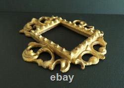 CADRE en bois sculpté et doré MINIATURE. ITALIE XIXe
