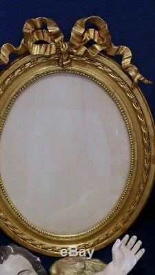Cadre Ovale De Style Louis XVI En Bois Et Stuc Doré, époque XIX ème