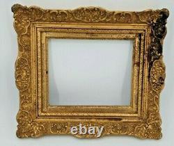 Cadre ancien en bois et stuc doré Louis XV