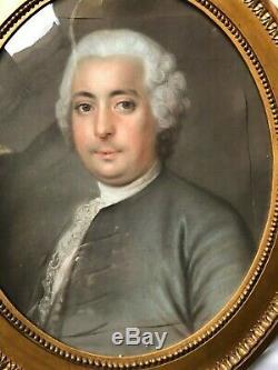 Grand Pastel De Forme Ovale Portrait Homme 18 Eme Siecle Cadre Bois Dore
