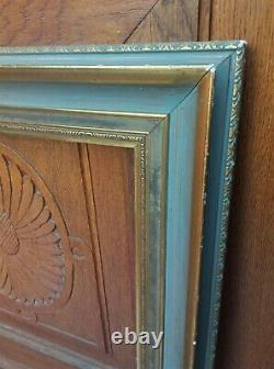 Important cadre en bois et stucs dorés début XXe siècle feuillure 70 x 55 cm