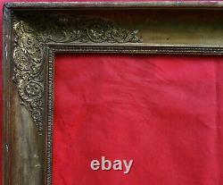 N° 740 CADRE Epoque Empire en bois et stuc doré pour châssis 73 x 60 cm
