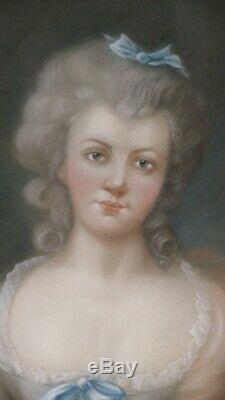 Portrait XVIII ème d'Une Femme, Pastel, Cadre Bois Doré, époque Louis XVI